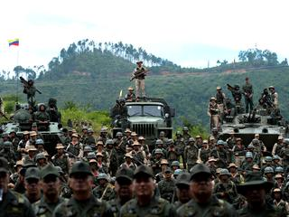 President Maduro geeft opdracht voor nationale militaire oefening
