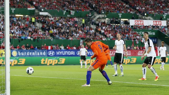 Ruim een miljoen Nederlanders kijken naar Oranje | NU - Het laatste ...: www.nu.nl/entertainment/4272964/ruim-miljoen-nederlanders-kijken...