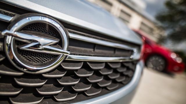 Duitse commissie onderzoekt 30 automodellen vanwege hoge CO2-uitstoot