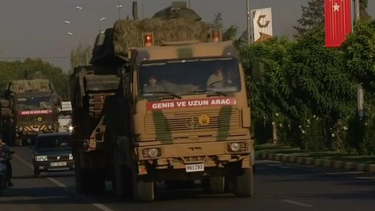Turkse tanks trekken Syrische grens over bij al-Rai