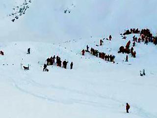 Groep Franse middelbare scholieren bedolven onder sneeuw