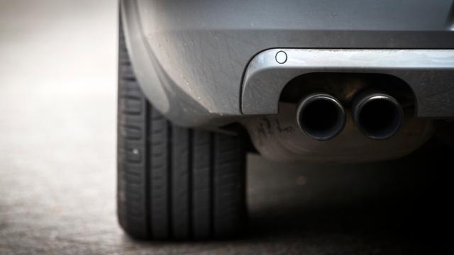 Toezichthouder VS houdt vast aan milieunormen auto's