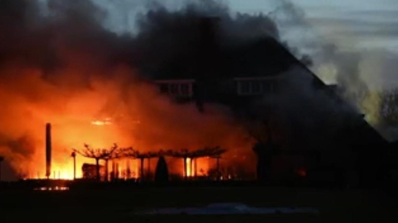 Brandweer ter plaatse bij grote brand in restaurant Tilburg
