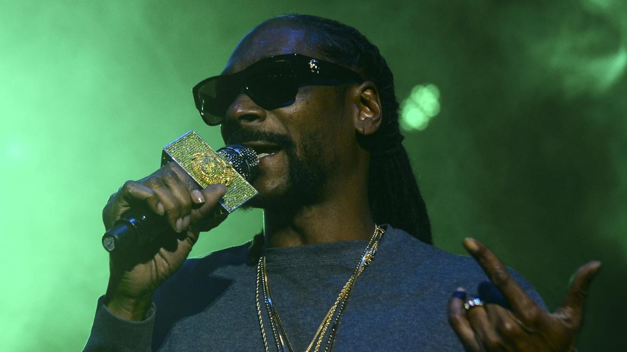 Beluister Ain't No Fun van Snoop Dogg