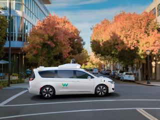 Weinig ingrepen meer nodig in Waymo-auto, blijkt uit cijfers toezichthouder