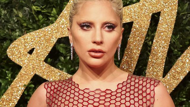 Lady Gaga treedt op in Londense pub