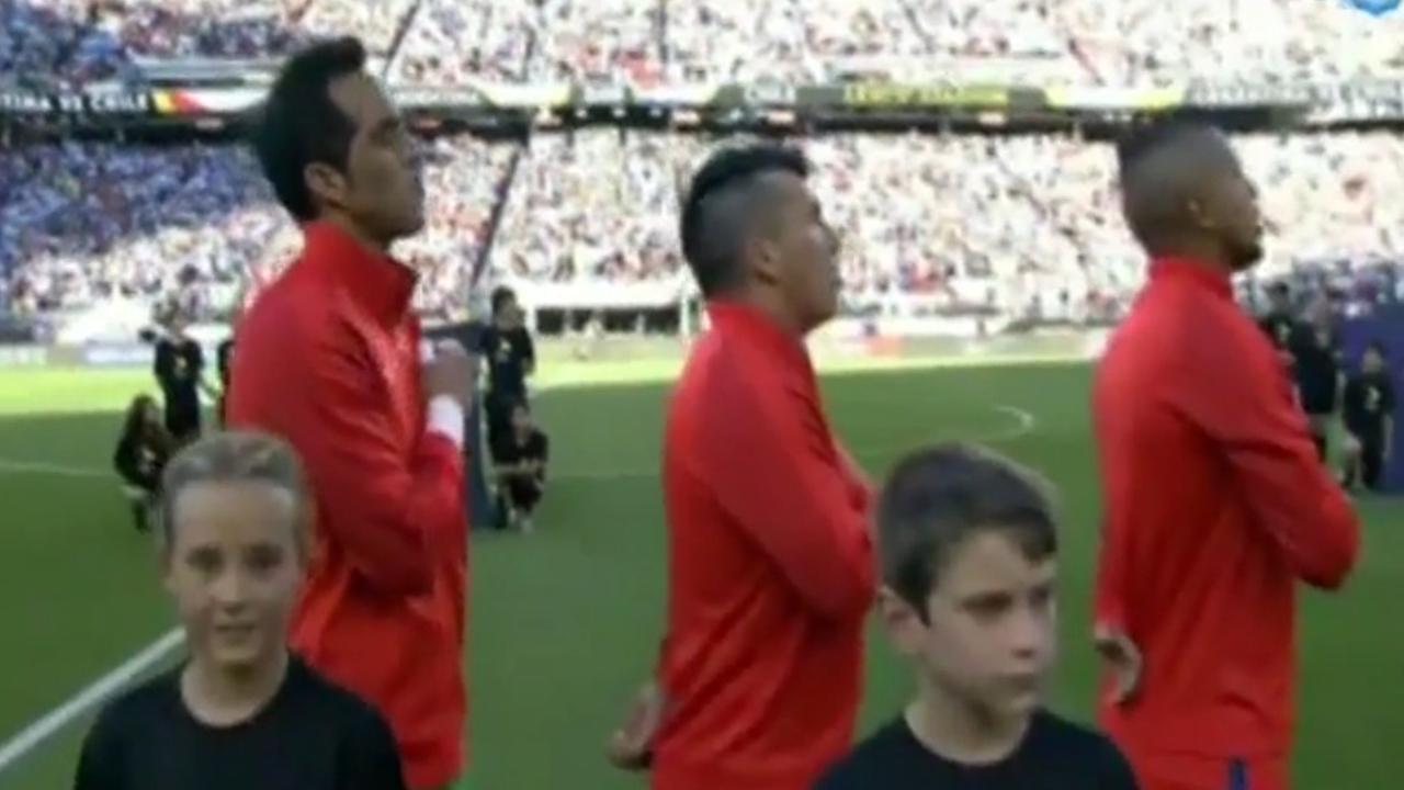 Organisatie Copa América start nummer Pitbull in tijdens Chileense volkslied
