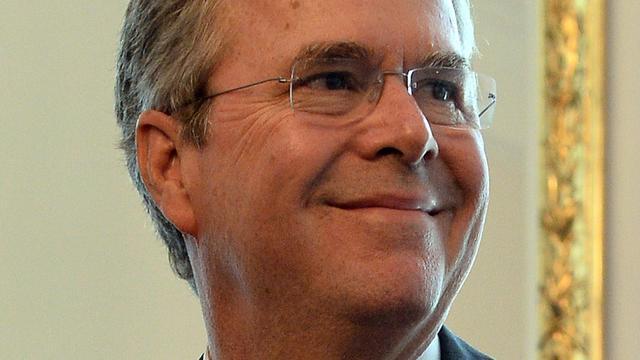 Jeb Bush roept hulp familieleden in voor verkiezingscampagne