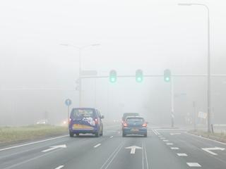 Er kan dichte mist voorkomen met een zicht van minder dan 200 meter