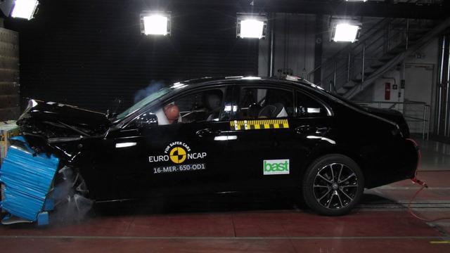 Vijf NCAP-sterren voor Mercedes E-Klasse en Peugeot 3008