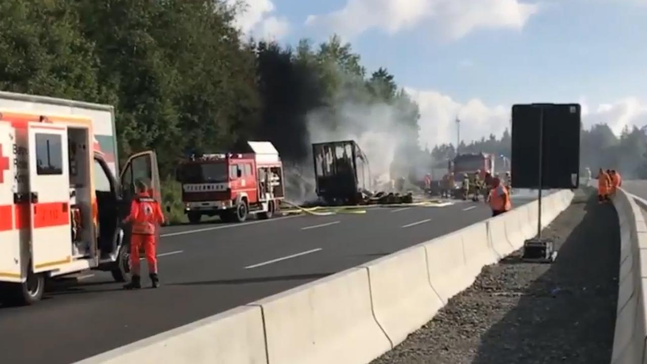 Doden en gewonden door groot busongeval in Duitsland
