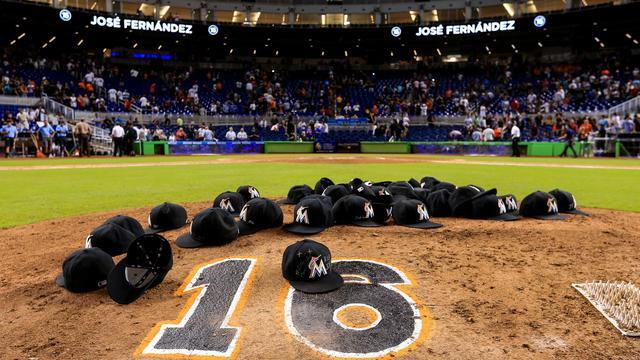 Miami Marlins herdenken Fernandez met emotionele zege
