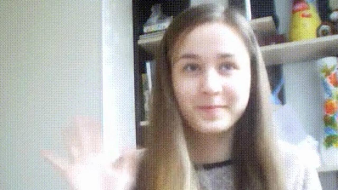 GIF van meisje met twee verschillende haarkleuren gaat viraal