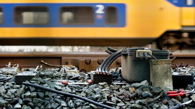 Koperdiefstal legt urenlang treinverkeer Rotterdam-Gouda plat