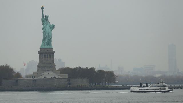 Kustwacht New York waarschuwt voor walvis bij Vrijheidsbeeld