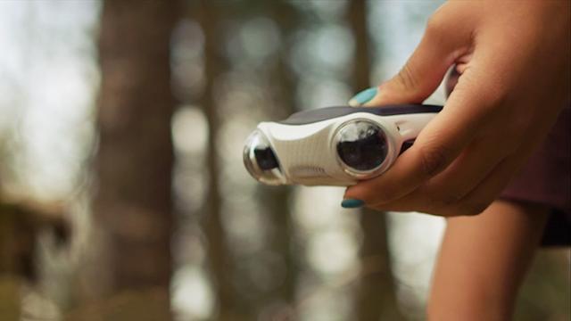 3D-camera laat vrienden in virtual reality met je meekijken