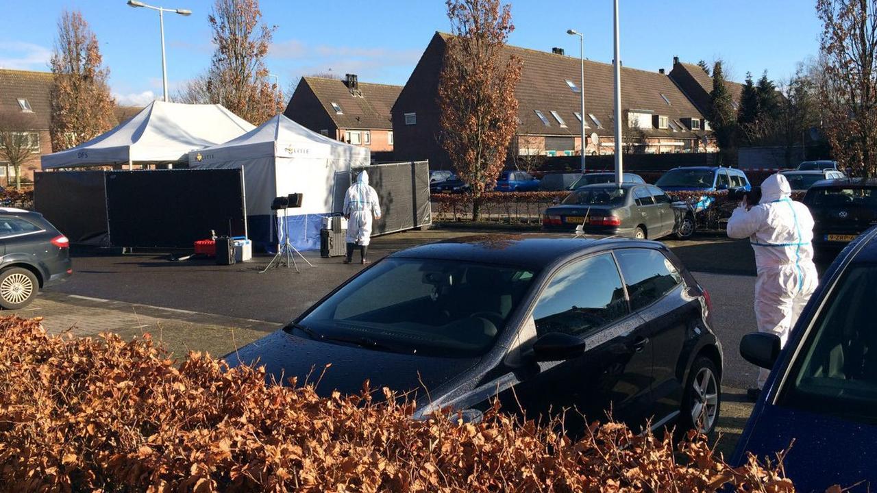 Lichaam gevonden in uitgebrande auto in Zuidoost