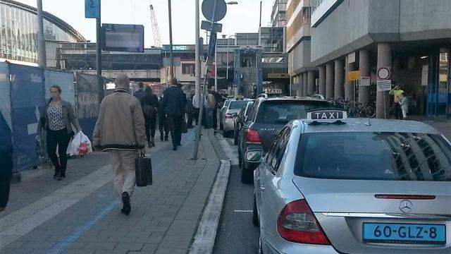 Spoedoverleg tussen boze taxichauffeurs en gemeente