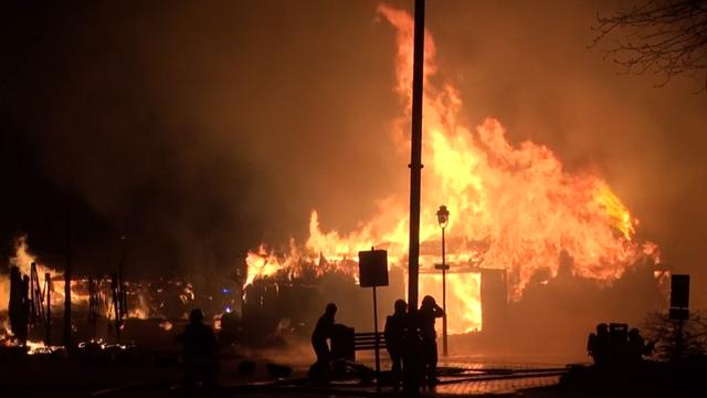 Grote brand in rijksmonumenten in Drentse Exloo
