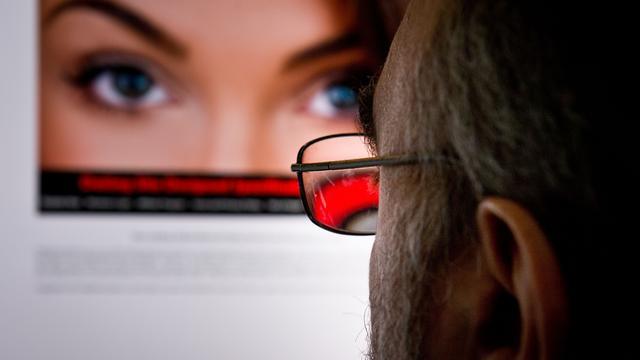 Britse therapeut waarschuwt voor seksuele gevolgen van pornografie kijken