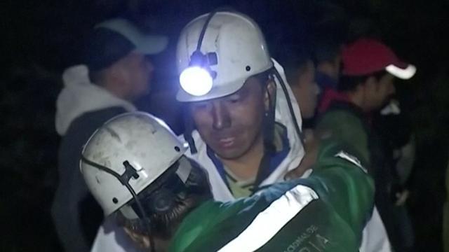 Zoektocht naar overlevenden na dodelijke mijnexplosie Colombia