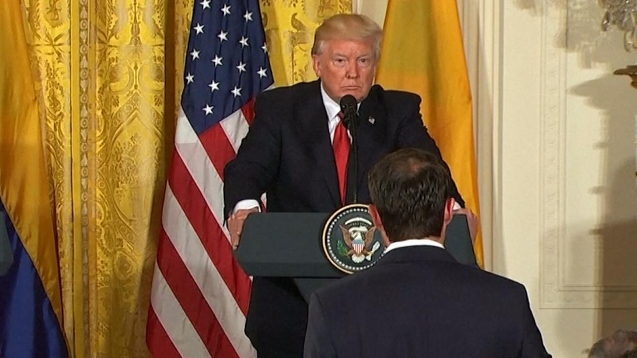 Trump kapt verslaggever af na vraag over ontslag Comey