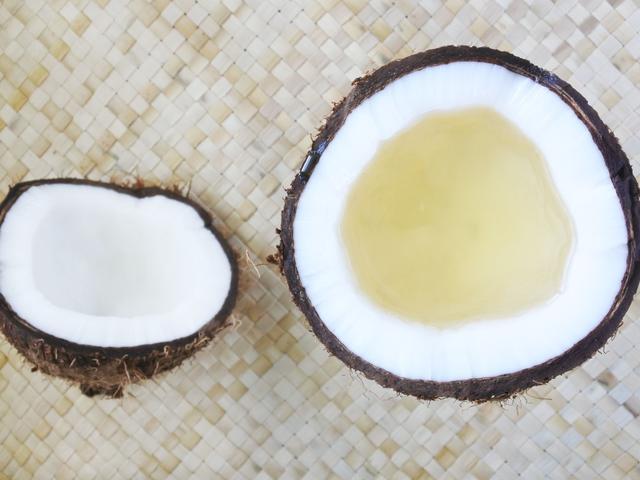 NUcheckt: Is kokosolie ongezond en slecht voor het cholesterol?