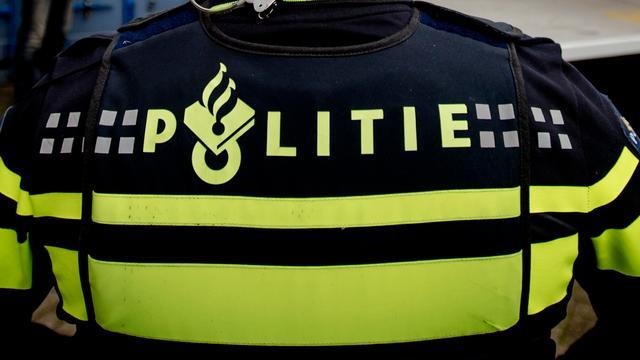 Politie geeft verdachten van zware mishandeling Amsterdam ultimatum