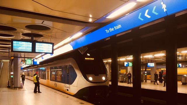 ProRail gaat deurposities treinen aanwijzen op Schiphol