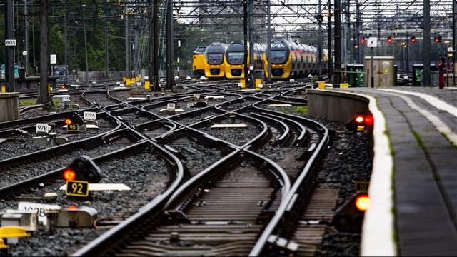 Maandagavond veel minder treinen tussen Amsterdam en Breda