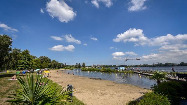 Zwemseizoen in Alphen geopend, twee in plaats van drie zwemlocaties