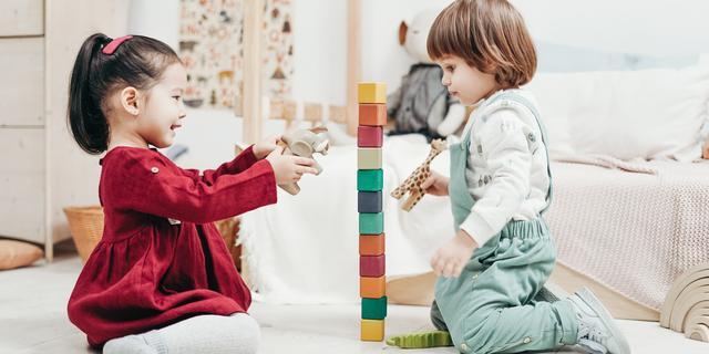 Mijn kind is onzeker: 'Geef je kind niet meteen uitleg en adviezen'