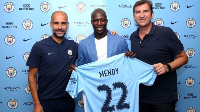 City haalt verdediger Mendy, Juventus versterkt zich met Bernardeschi