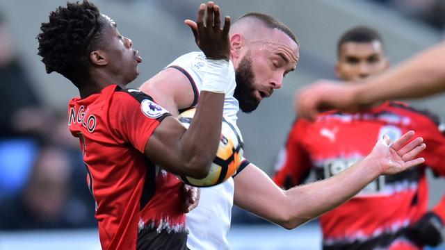 Huddersfield-coach Wagner onder de indruk van debutant Kongolo