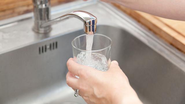 Rivierwaterbedrijven vrezen voor tekort aan drinkwater uit de Maas