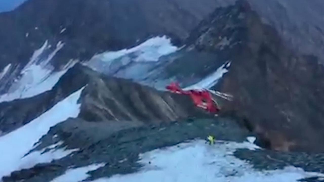 Reddingshelikopter crasht in Oostenrijkse Alpen