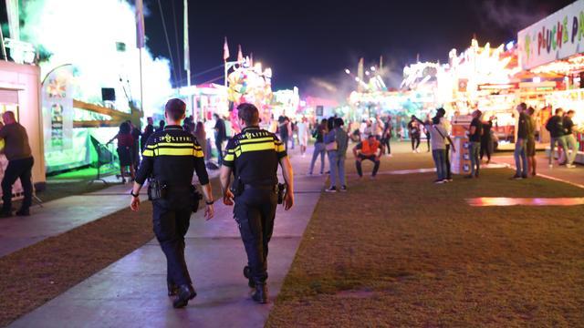 Politie lost waarschuwingsschot op Haagse kermis, zes personen aangehouden