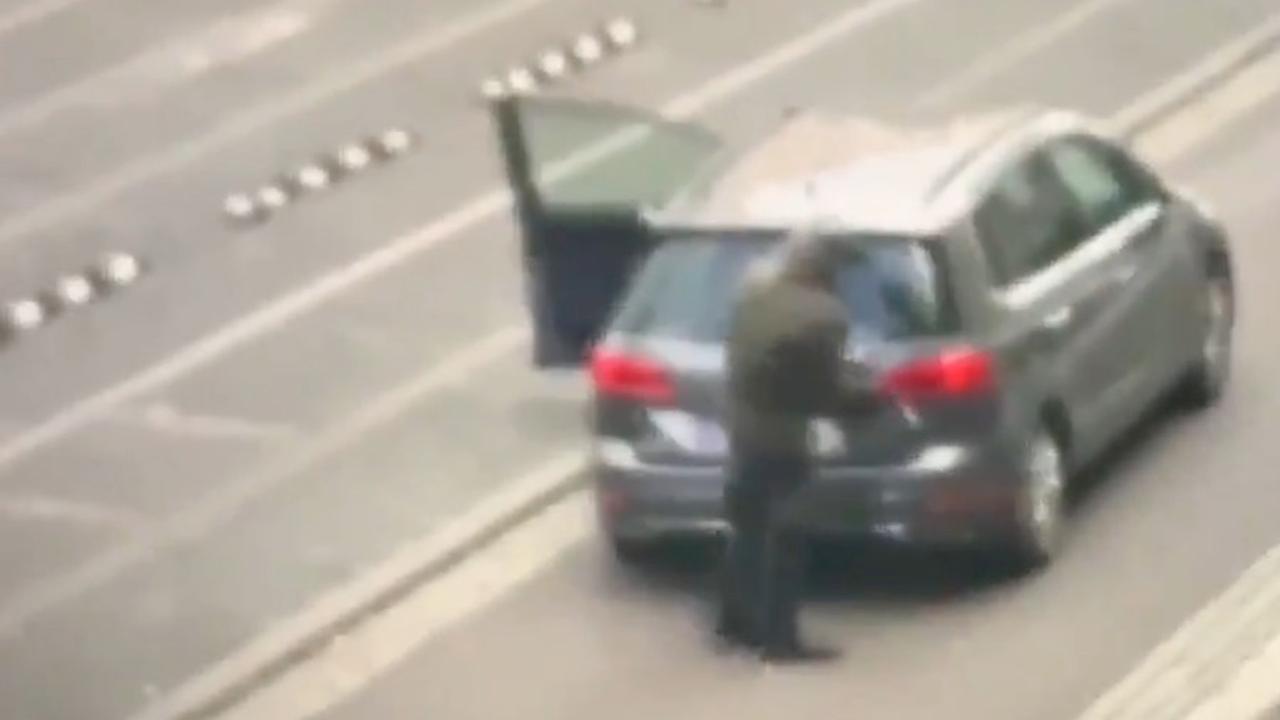 Omstander filmt schutter in Duitse stad Halle