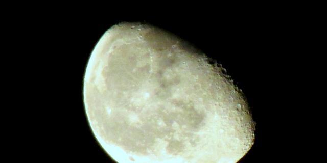 Wervelpatronen op maanoppervlak mogelijk door komeetinslagen