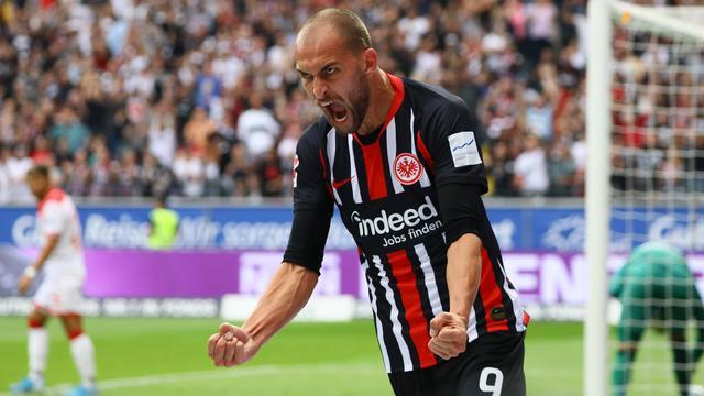 Invaller Dost luistert debuut voor winnend Frankfurt op met doelpunt