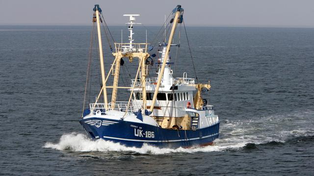 Minister Schouten belooft zich in te spannen voor pulsvissers
