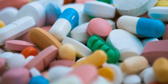 Waarom sommige ziekenhuizen zelf medicijnen maken