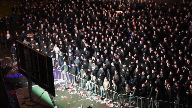 Gemeente Tilburg grijpt ondanks COVID-19 niet in bij feest Willem II-fans