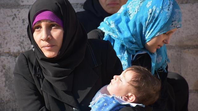 Duizenden Syriërs ontvluchten Oost-Aleppo na oprukken leger