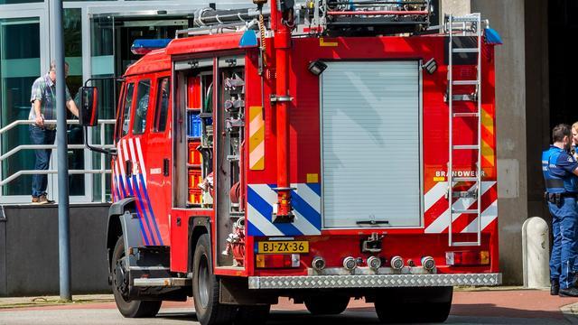 Auto brandt volledig uit in Leidsche Rijn