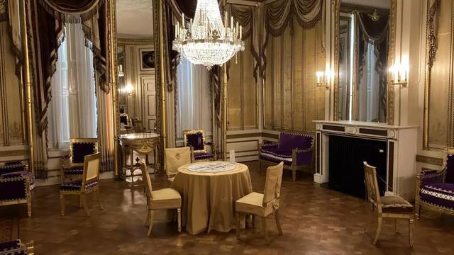 De gouden salon in Huis Barnaat