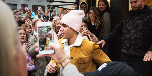 Roddeloverzicht: Bieber-hysterie in Nederland en Kim moet bijkomen