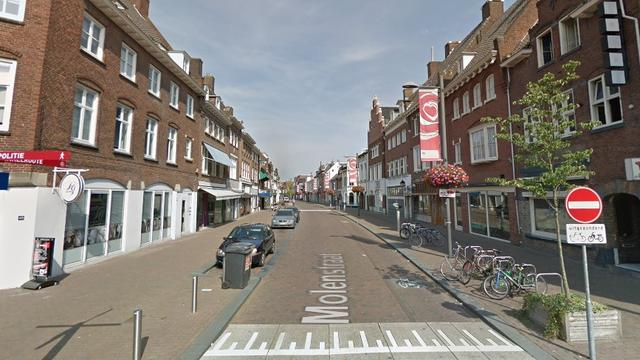 Drie mannen aangehouden na vernieling in woning Roosendaal