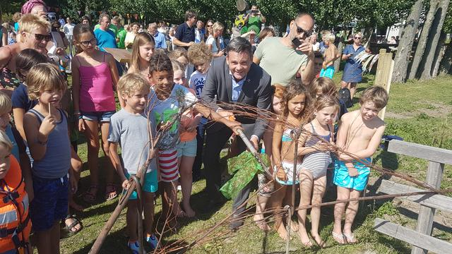 Natuurspeeltuin bij Tuin van de Smid officieel open