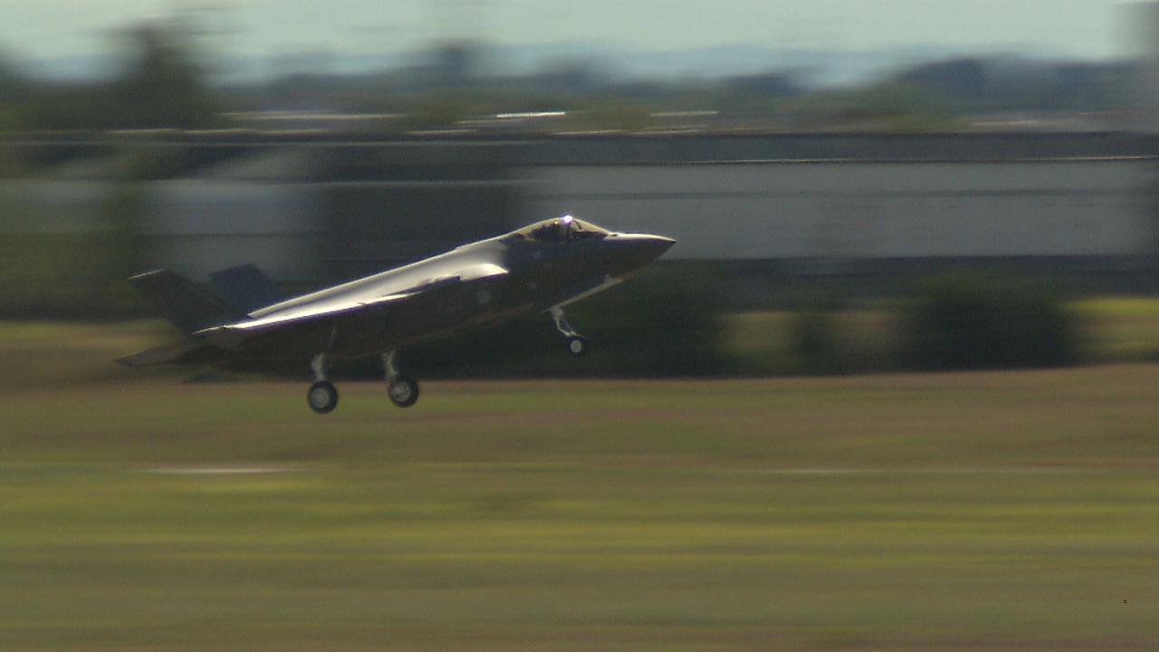 Eerste F-35 voor Vliegbasis Leeuwarden maakt vlucht In Italië